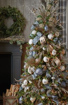 Raz Imports Christmas Themes for 2017 Pre Decorated Christmas Tree, Beautiful Christmas Trees, Christmas Tree Themes, Noel Christmas, Rustic Christmas, Xmas Decorations, Christmas Wreaths, White Christmas, Christmas Ribbon
