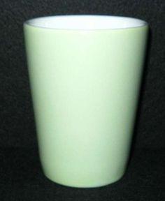Lilienporzellan Daisy Kakaobecher grün 70,-- Kakao, Glass Of Milk, New Homes, Mugs, New Home Essentials