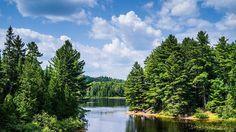 Parc de la Mauricie de 544 km², entre Montréal et Québec... Sentiers de randonnée, canoë, pêche, observation des animaux… Tout y est possible.