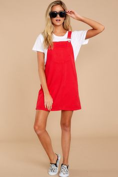 red overalls - casual :P Red Dress Casual, Cute Red Dresses, Casual Dresses, Dress Red, Dress Formal, Trendy Dresses, Dress Long, Red Jumper, Jumper Outfit