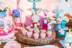festinha-alice-no-pais-das-maravilhas-rosa-azul-decoracao-Pequenos-Luxos-10