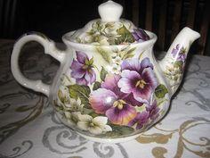 Beautiful Sadler Teapot by Sadler China from England
