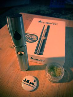 Regular readers will know that I am a big fan of portable vaporizer pens and the freedom to medicate anywhere that they provide. The Atmos Thermo W is a. Vaporizer Pen, Best Vaporizer, Pen Designs, Cool Bongs, Portable Vaporizer, Ear Wax, Smoking Weed