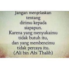 Imam Ali Quotes, Muslim Quotes, Quran Quotes, Quotes Lucu, Quotes Galau, Islamic Inspirational Quotes, Islamic Quotes, Ied Mubarak Quotes, Ali Bin Abi Thalib