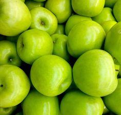Omenan syöminen laihduttaa, vaikka vetäisit pullaakin. ylipainosta voi päästä eroon syömällä omenan, erityisesti Granny Smith -omenan.