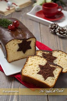 it wp-content uploads 2015 11 Plumcake-di-Natale-con-stella-a-sorpresa-ricetta. Xmas Food, Christmas Sweets, Christmas Cooking, Food Cakes, Cupcake Cakes, Sweet Recipes, Cake Recipes, Cake Chocolat, Plum Cake
