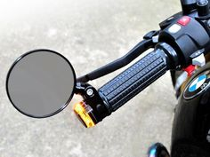 The MotoGadget bar end mirror m-Rear 75 is small, reduced and matches perfectly our bar end turn signals, the grips m-Grip as well as the push button control m-