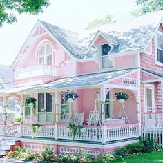 A pink house.....