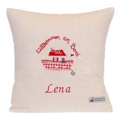 Kuscheliges Kissen von Hansekind aus 100% Baumwolle. Der Wunschname wird auf das Kissen bestickt.
