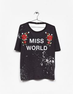 """Floral embroidered """"Miss World"""" T-shirt. Discover this and many more items in Bershka with new products every week"""