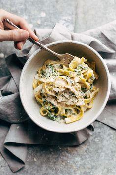 5 ingredient creamy kale pasta
