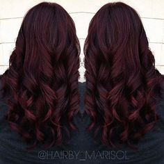 It's All the Rage: Mahogany Hair Color dark burgundy hair with highlights - Farbige Haare Burgundy Hair With Highlights, Hair Highlights, Red Burgundy, Peekaboo Highlights, Dark Hair With Red, Deep Burgundy Hair Color, Burgundy Wine, Dark Res Hair, Lilac Hair
