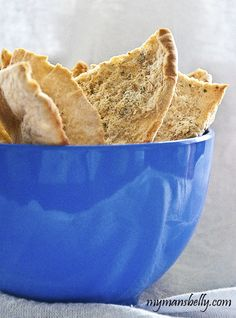 Baked pita chips take minutes to make at home. Adding ranch flavor to the chips will have 'em digging in and asking more of this pita chips recipe. Healthy Baked Snacks, Healthy Chips, Easy Snacks, Healthy Baking, Healthy Foods, Pita Chips Recipe, Baked Pita Chips, Best Appetizers, Appetizer Dips