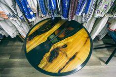 Măsuță de cafea realizată de Rustic Ideea cu utilajele Felder Gruppe. Surfboard, Rustic, Modern, Atelier, Country Primitive, Trendy Tree, Surfboards, Retro, Farmhouse Style