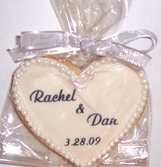 Call New Favors today at 212-696-8600 for Edible favors, cookies and Personalized Wedding Favors. Description from feredding.com. I searched for this on bing.com/images