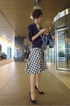 Maki's wardrobe の画像|田丸麻紀オフィシャルブログ Powered by Ameba Fashion Over 40, Work Fashion, Skirt Fashion, Skirt Outfits, Chic Outfits, October Fashion, Tokyo Street Style, Japan Fashion, Mode Inspiration