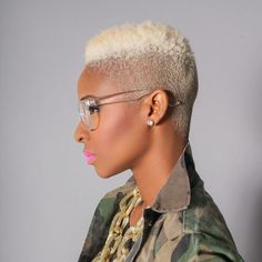 Short Haircuts for Black Women. Short haircuts are also in trends among black women's. Black women's like to carry very trendy, sexy short hairstyles Dope Hairstyles, Black Women Hairstyles, Locs, Short Hair Cuts, Short Hair Styles, Pixie, Divas, Unique Style, Sassy Hair