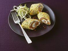 Kräuter-Pfannkuchen gefüllt mit Frischkäse und Lachs - smarter - Zeit: 45 Min. | eatsmarter.de