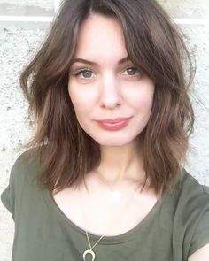 Messy Bob Hairstyles, Easy Hairstyles For Medium Hair, Haircut For Thick Hair, Haircut And Color, My Hairstyle, Medium Hair Cuts, Pretty Hairstyles, Medium Hair Styles, Short Hair Styles
