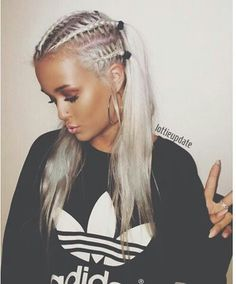 Lottie (Louis Tomlinson's little sister) also wears a lot of adidas, runs in the family I suppose. 😂