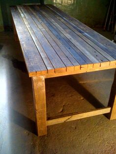 Table made from old barn wood Recycled Furniture, Cool Furniture, Outdoor Furniture, Outdoor Decor, Pallet Furniture, Furniture Ideas, Outdoor Living, Rustic Table, Farmhouse Table