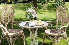edwardian-wicker-english-garden-seating-wedding