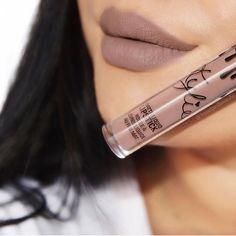 True Brown K, Kylie cosmetics. Charlotte Tilbury Makeup, Kylie Lips, Lip Swatches, Flawless Skin, Liquid Lipstick, Lip Gloss, Makeup Looks, Nail Polish, Make Up