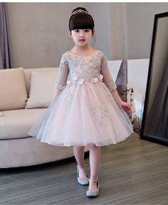 Картинки по запросу imagenes de vestidos de niña de matrimonio color rosa