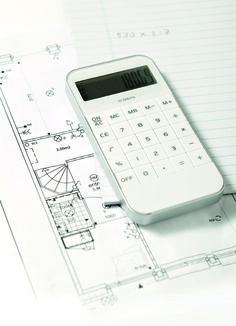 Rekenen in smartphone stijl! - kunststof calculator met 10-digit display - met memory en percentage knoppen - afgewerkt met zilverkleurige rand - formaat: 11,5 x 5,8 x 1 cm  - Calculators bedrukken mogelijk vanaf 50 stuks