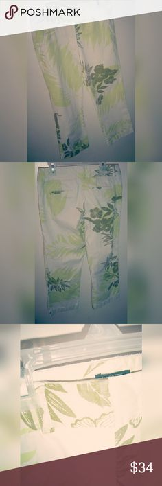 Ladies patterned capris Perfect for vacation. / tropical/floral pattern/ belt loops / front and back pockets/ slight fraying around waistband, pockets, and hem / Style: Favorite Fit / 100% cotton J. Crew Pants Capris
