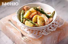 Снимка за Сьомга с аспержи, крем-сирене и пресни картофи