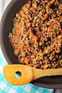 Easy Cuban-Style Beef Picadillo is a delicious, quick fix dish full of flavor and pizzaz. When made with lean ground beef, it's also a great healthy beef recipe for a weeknight or weekend meal the whole family will enjoy! Healthy Beef Recipes, Ground Beef Recipes, Pork Recipes, Mexican Food Recipes, Vegetarian Recipes, Cooking Recipes, Cooking Beef, Beef Meals, Meatloaf Recipes