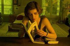 Irène Jacob in 'La double vie de Véronique' (1991, Krzysztof Kieślowski) / Cinematography by Slawomir Idziak