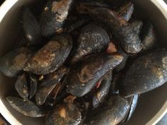 BLOODY GARLICY MUSSELS