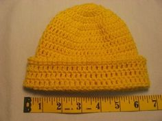 Hooked on Needles: Crocheted baby hat - Instructions and pictures for beginners