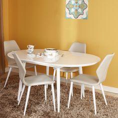 Fie că ție și celor din familia ta vă place să luați masa în dining sau în bucătărie, masa Eliza este potrivită pentru astfel de reuniuni. Ba mai mult, aceasta poate fi extinsă în caz că vin prietenii în vizită. Ovală, simplă, realizată din MDF și structură metalică, îndeplinește condițiile unei piese de mobilier utile, practice și aspectuoase.