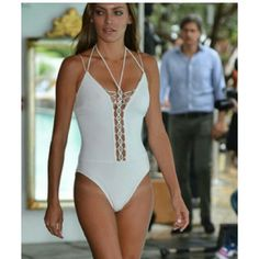 NWT Designer Swimsuit Gottex White Crystals Sz 8 Sexy and classy at the same time. Watch heads turn while you rock this one piece swimsuit size 8. Gottex  Swim One Pieces