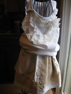 Vintage Mini Skirt with Cream Lace - so adorable!