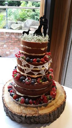 How beautiful is this naked cake? #wedding #caketopper #greyhound