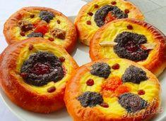Tradiční koláče s tvarohem, mákem a marmeládou   NejRecept.cz Waffles, Pineapple, French Toast, Cheesecake, Muffin, Food And Drink, Pizza, Ice Cream, Sweets