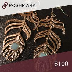 Kendra Scott Eileen Feather Earrings Chalcedony Vintage Earrings comes with dust bag Kendra Scott Jewelry Earrings