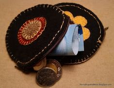 Penny Rugs and More; tutorial for a change purse from wool circles and scraps of wool pennies.