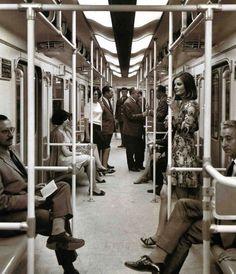 El Metro de Madrid pasaba con más frecuencia en 1919 que ahora (y otras 14 cosas que han cambiado) | Verne EL PAÍS Old Pictures, Old Photos, Best Hotels In Madrid, Madrid Metro, Metro Subway, Madrid Travel, Barcelona City, U Bahn, Old Photography