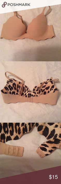 VS 34C Scalloped Push-up Very Pretty Bra. Scalloped Detail along the bra. Cheetah print on the inside. Can be changed to a Strapless. Open to Reasonable Offers. Victoria's Secret Intimates & Sleepwear Bras