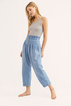Mover and Shaker Jeans 90s Fashion, Fashion Outfits, Womens Fashion, Denim Fashion, Estilo Jeans, Free People, Spring Outfits Women, Spring Dresses, One Piece Outfit