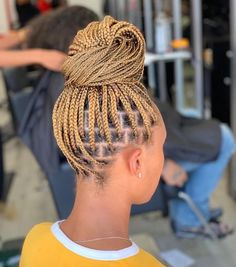43 Cool Blonde Box Braids Hairstyles to Try - Hairstyles Trends Grad Hairstyles, Braided Ponytail Hairstyles, Braided Hairstyles For Black Women, African Braids Hairstyles, Weave Hairstyles, Hairstyles Videos, Hairdos, Small Box Braids Hairstyles, African Hairstyles