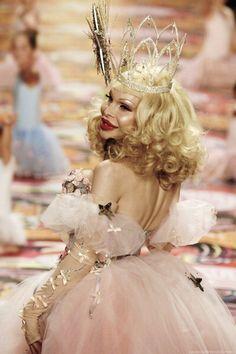 Amanda Lepore as Glinda Amanda Lepore, Leigh Bowery, Club Kids, Flawless Makeup, Rupaul, Face And Body, Fashion Beauty, Pin Up, Flower Girl Dresses