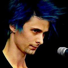 Oh, that blue hair. x3