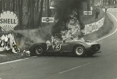 1963 19 hrs into race, a fuel spill & fire took out this rear-engined Ferrari Road Race Car, Road Racing, Race Cars, Le Mans, Sports Car Racing, Auto Racing, Course Automobile, Ferrari Racing, Vintage Race Car