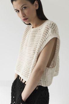 Fabulous Crochet a Little Black Crochet Dress Ideas. Georgeous Crochet a Little Black Crochet Dress Ideas. Pull Crochet, Bag Crochet, Crochet Shirt, Crochet Crop Top, Crochet Woman, Love Crochet, Crochet Clothes, Crochet Style, Crochet Granny